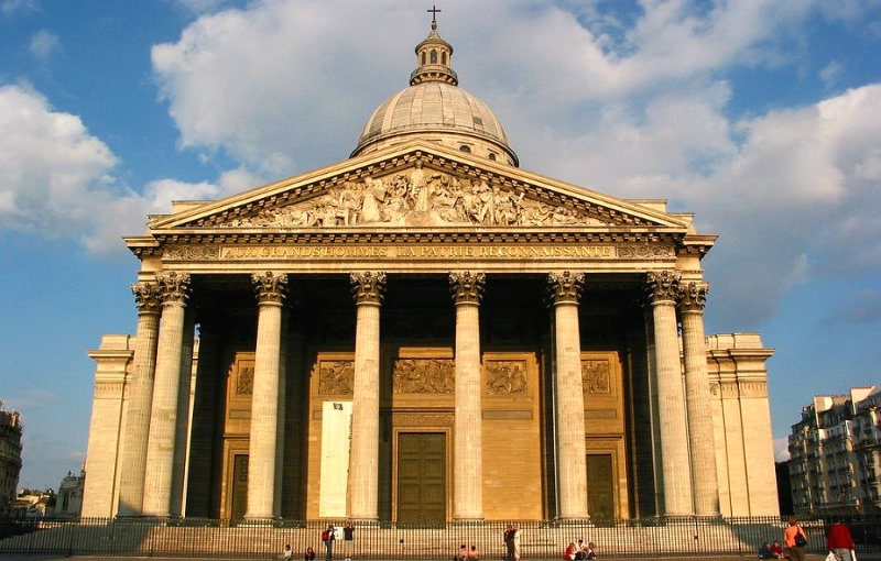 دليل السياحة فى باريس وأشهر المعالم السياحية وأماكن التسوق