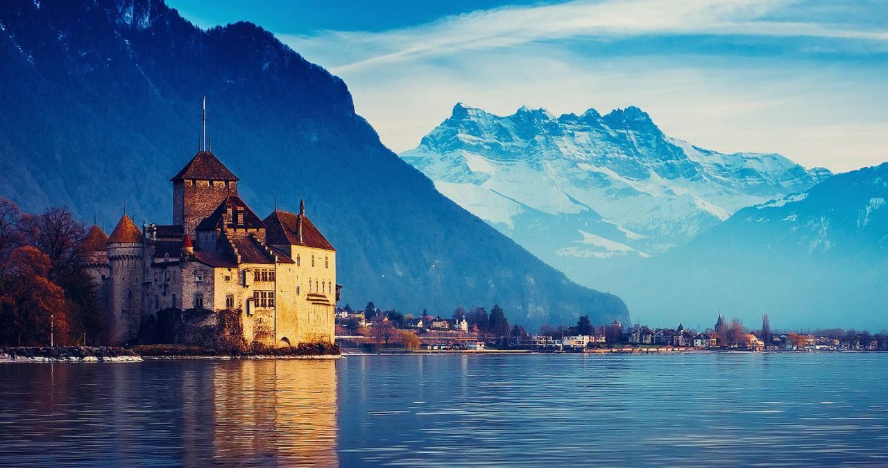 الطرق القانونية للهجرة والإقامة فى سويسرا والحصول على الجنسية