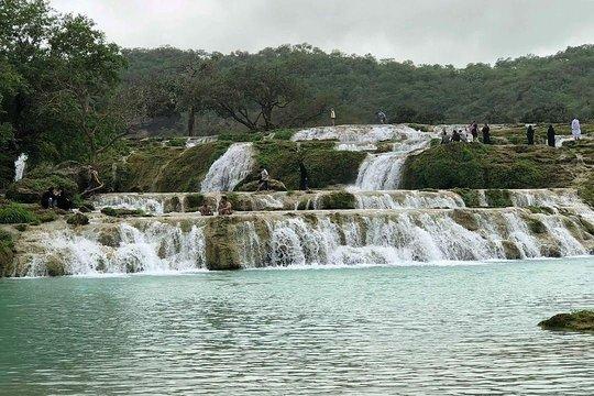 السياحة في صلالة بوادي دربات