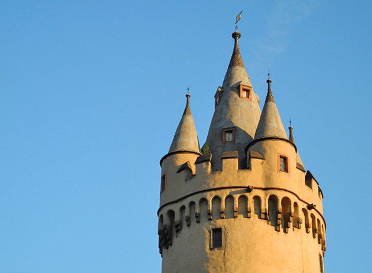 """أحد أشهر أبراج فرانكفورت """"إيشنهايمر"""""""