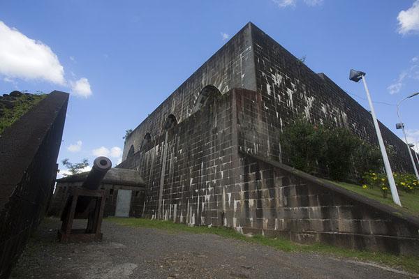 حصن تم بناؤه للدفاع عن موريشيوس من أ'مال الشغب أثناء إلغاء العبودية