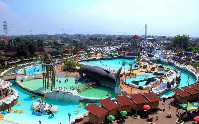 حديقة ترفيهية في إندونيسيا تدعى تامان ميني