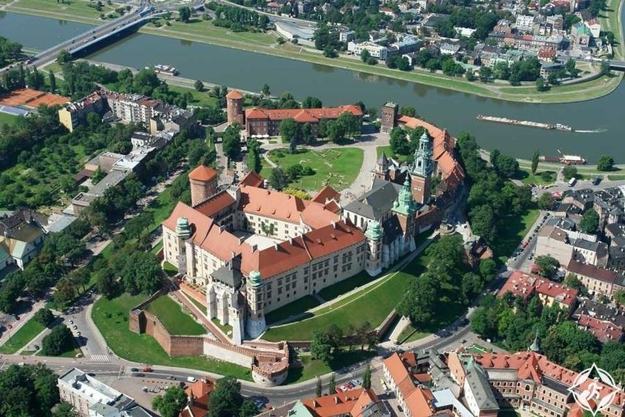قلعة فافل الملكية