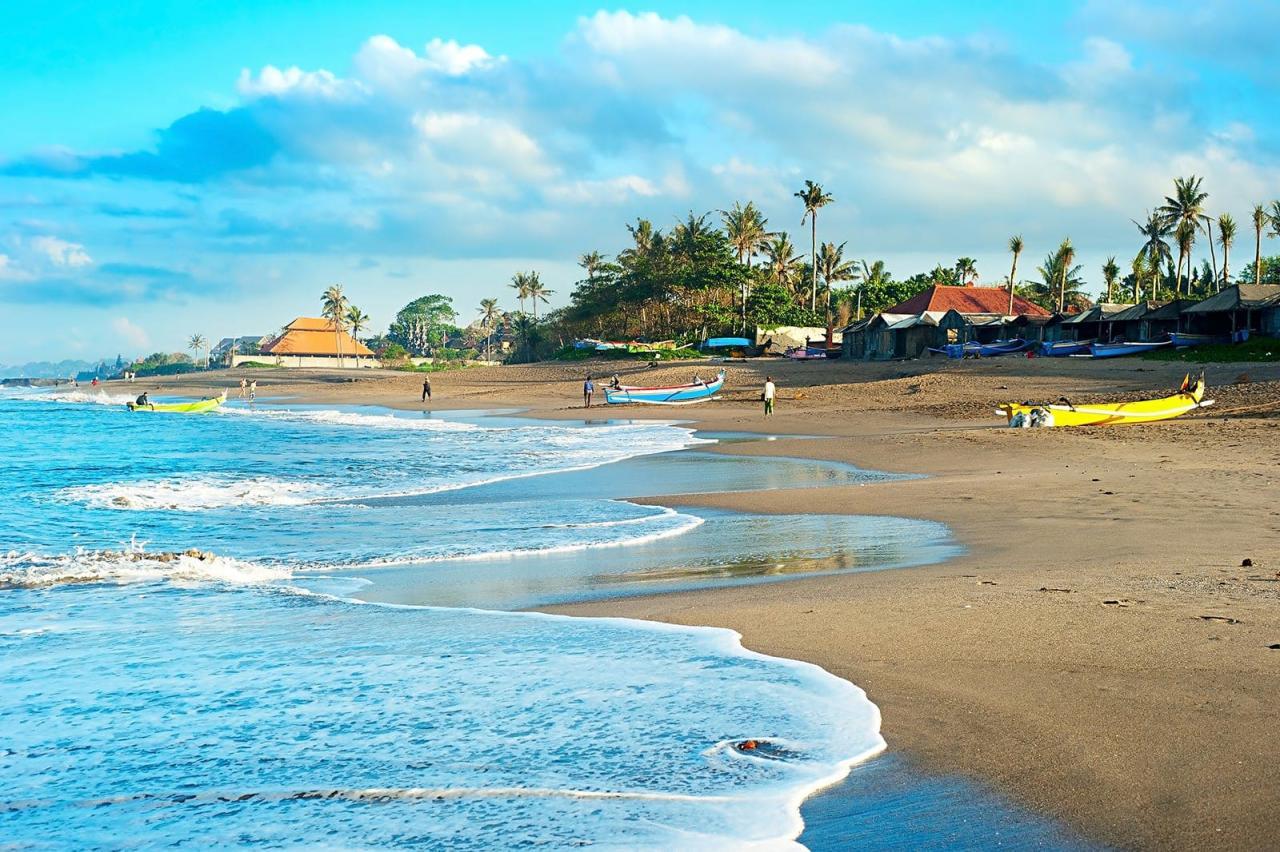 """تمتع بالمياه الفيروزية على شاطئ كانجو"""" بالي"""""""