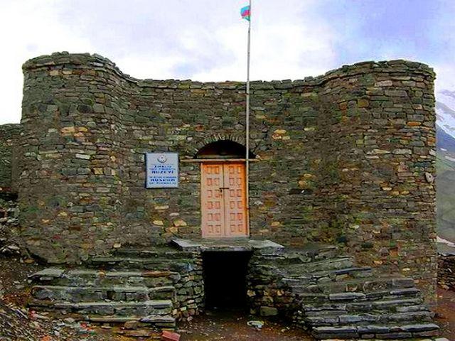 المتحف الإثنوغرافي في قرية خينالوغ: