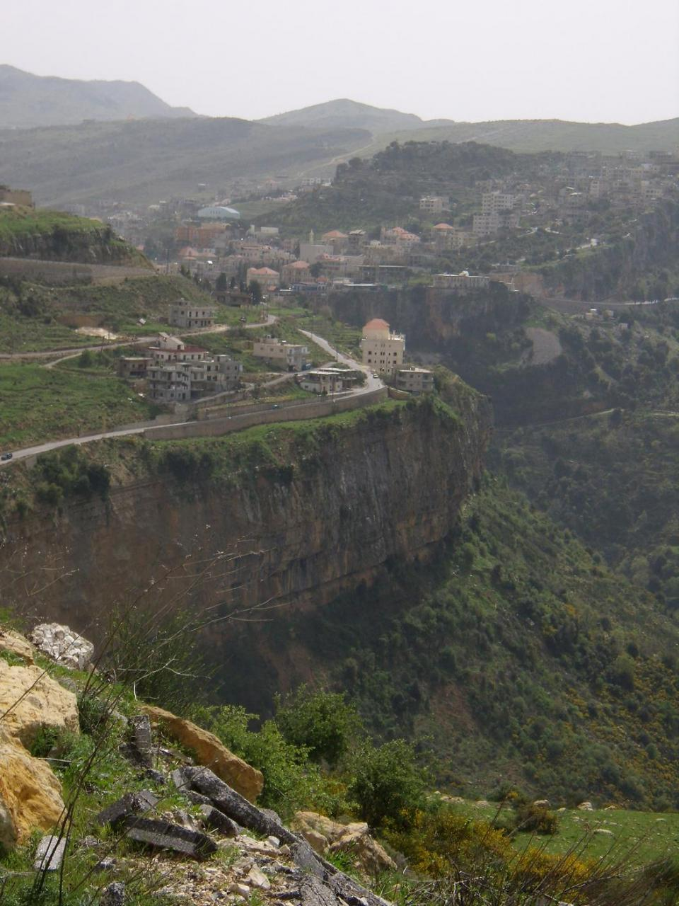 تعرف على شلالات جزين في لبنان