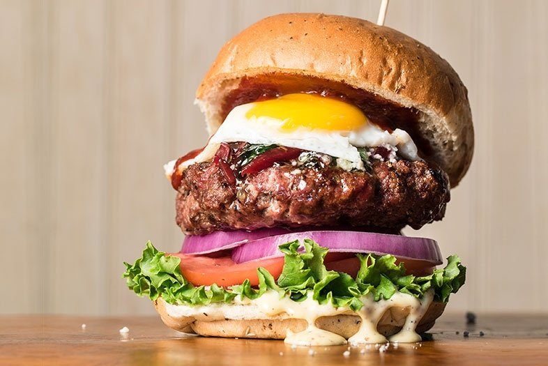 بمناسبة اليوم العالمي للهمبرجر .. إليكم أفضل 10 مطاعم عالمية - مجلة هي