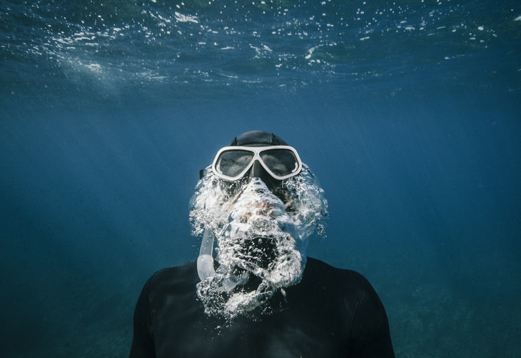 رياضة الغطس و السباحة