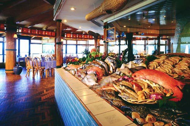 مطعم سوق السمك