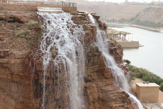 أهم المعلومات عن مدينة الرياض-2- شلال نمار